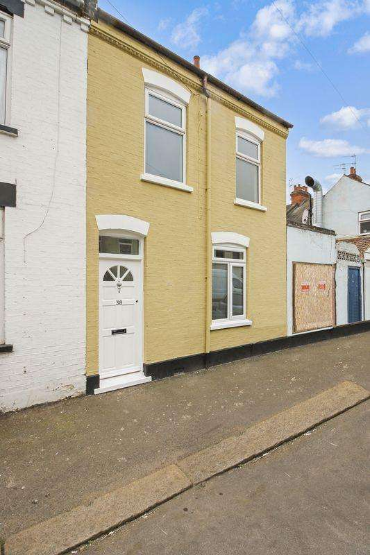 3 Bedrooms Terraced House for sale in Wimborne Road, Luton