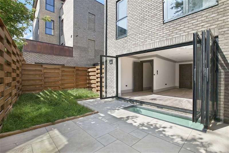 4 Bedrooms Town House for sale in St Pauls Crescent, London