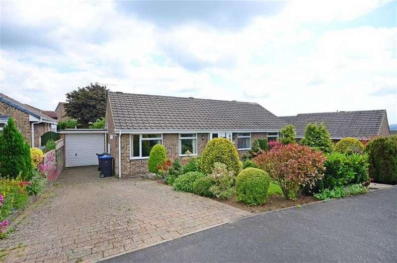 3 Bedrooms Bungalow for sale in 10, Mooredge Drive, Matlock, Derbyshire, DE4