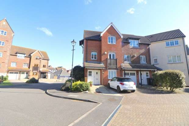 4 Bedrooms Town House for sale in Daytona Quay, Eastbourne, BN23