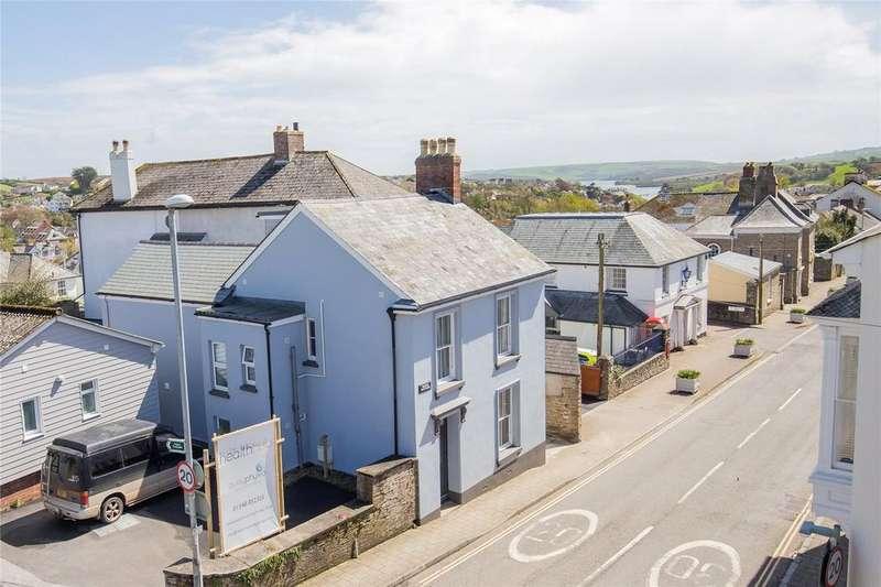 4 Bedrooms Detached House for sale in Fore Street, Kingsbridge, Devon, TQ7