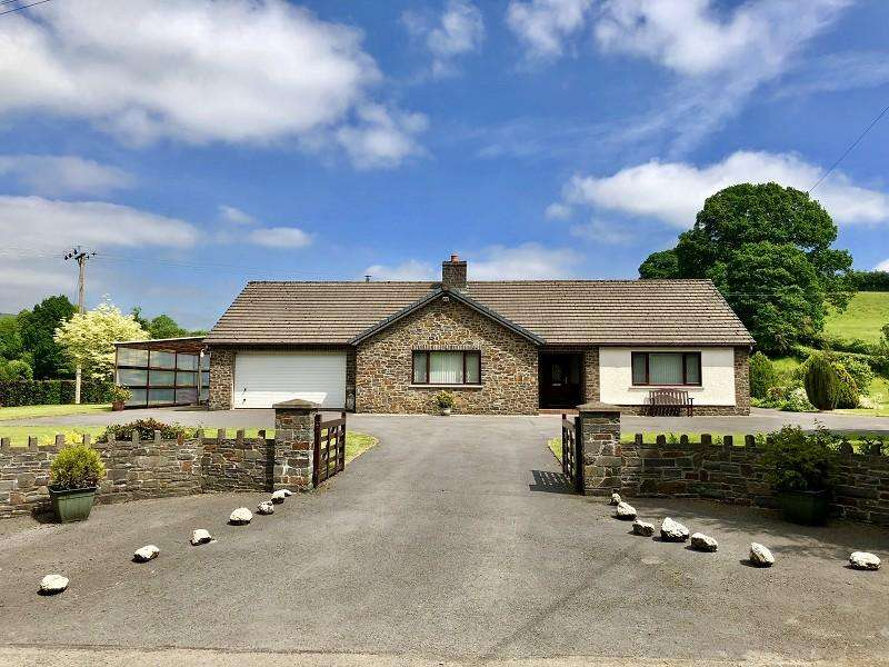 3 Bedrooms Detached Bungalow for sale in , Llandovery, Carmarthenshire.