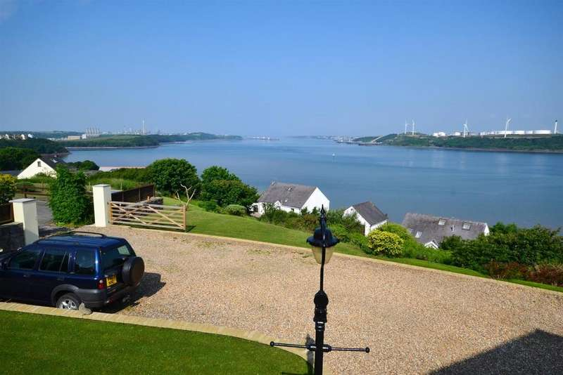 3 Bedrooms Detached Bungalow for sale in Beach Road, Llanreath, Pembroke Dock