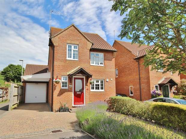3 Bedrooms Detached House for sale in Chiswell Road, Canford Heath, POOLE, Dorset