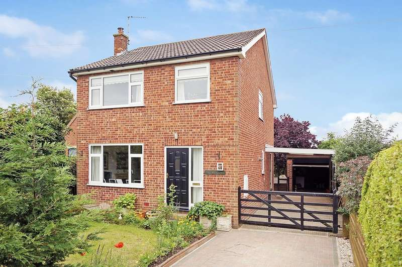 4 Bedrooms Detached House for sale in Main Street, Colton, Tadcaster, LS24