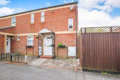 2 Bedrooms Semi Detached House for sale in Comb Paddock, Bristol, Somerset