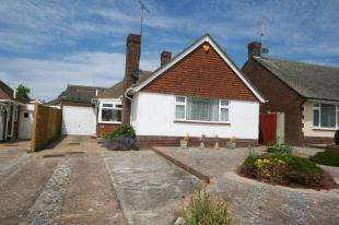 2 Bedrooms Bungalow for sale in Friston Avenue, Eastbourne, East Sussex