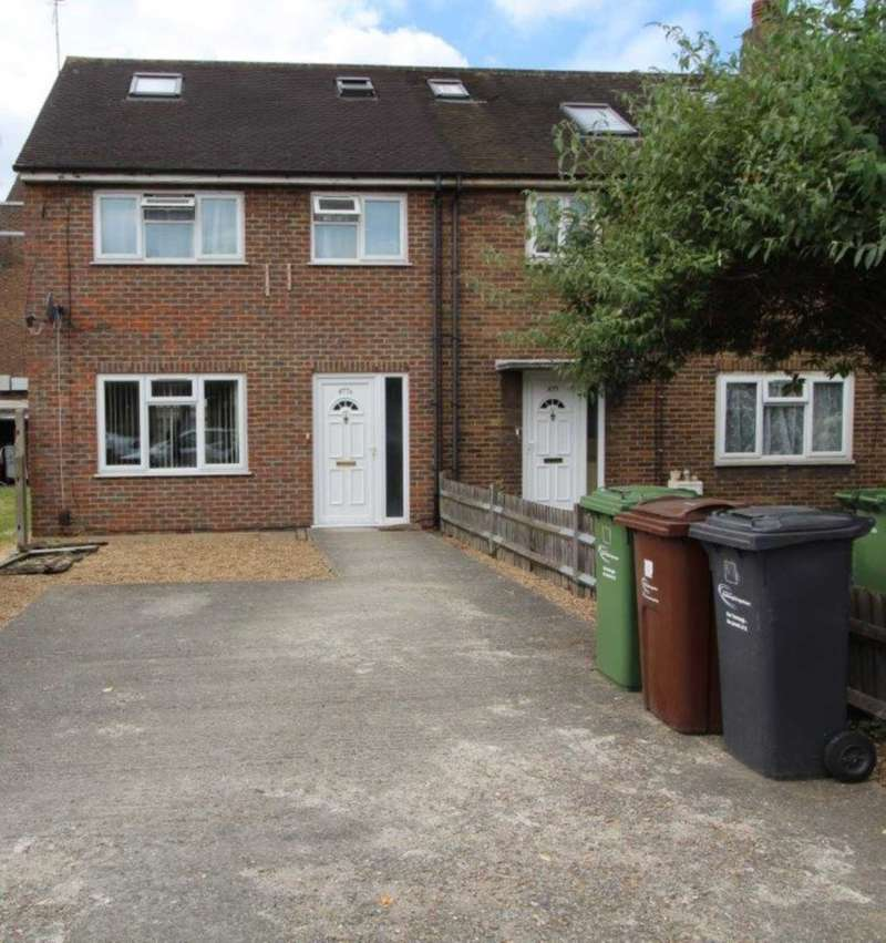 3 Bedrooms End Of Terrace House for sale in Rainham Road RM10 7XJ