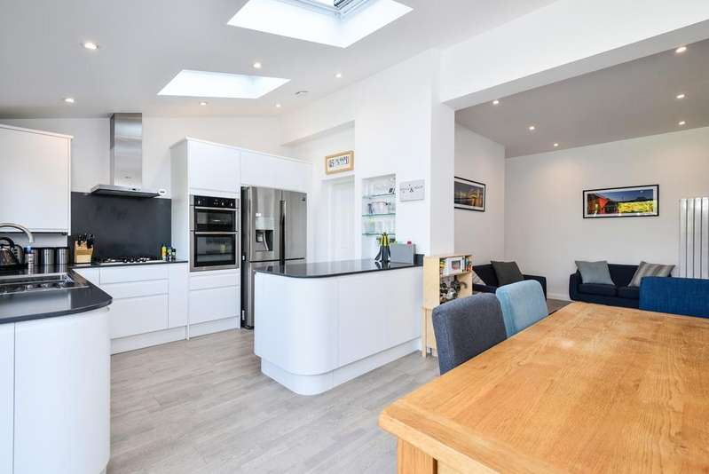 3 Bedrooms House for sale in Westmount Road Eltham SE9
