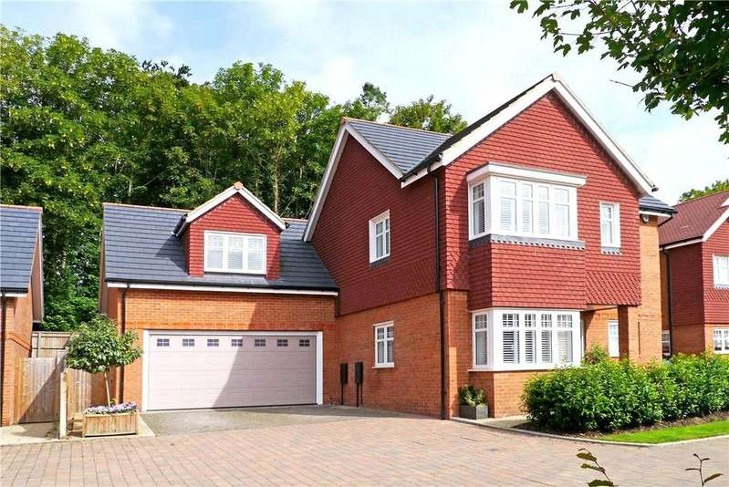 5 Bedrooms Detached House for sale in Paddock End, Woolton Hill, Newbury, Berkshire, RG20