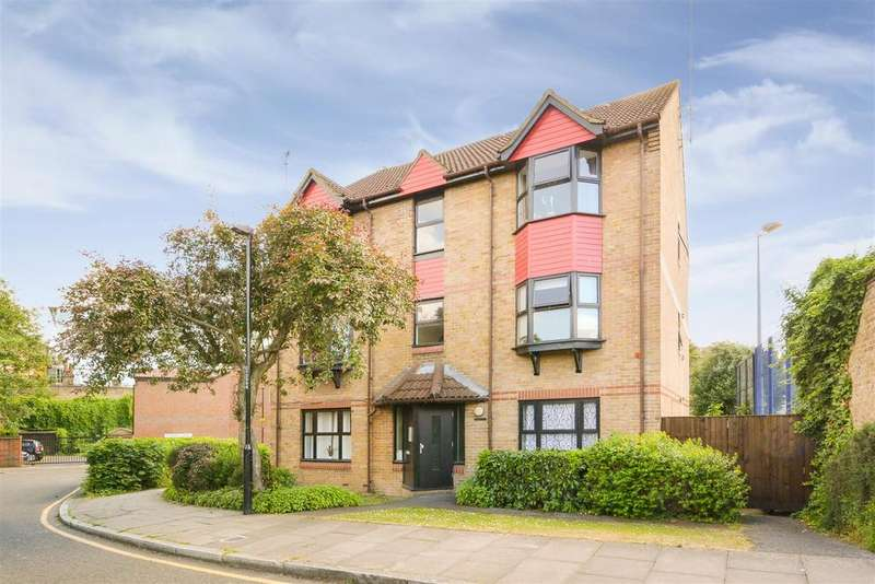 1 Bedroom Flat for sale in Coopers Close, London