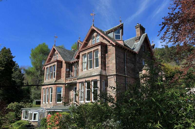 4 Bedrooms Flat for sale in Flat C Newstead Flats, Ancaster Road, Crieff, PH7 4AL