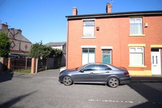 2 Bedrooms Terraced House for sale in Duke Street, Heywood, Greater Manchester, OL10 4QS