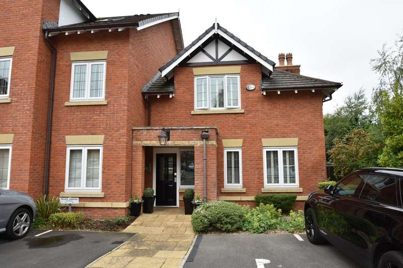 3 Bedrooms Apartment Flat for sale in Orchard Court, Bury, BL9