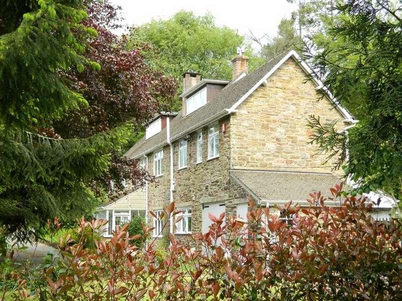 5 Bedrooms Detached House for sale in Northmoor Road, Dulverton, Somerset, TA22