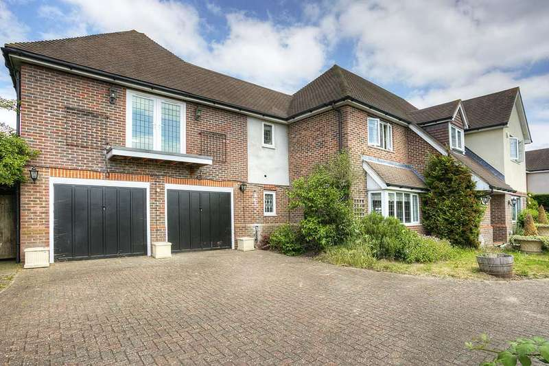 6 Bedrooms Detached House for sale in Halley Road, Waltham Abbey EN9