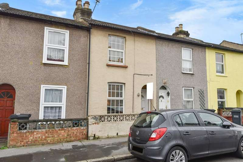 2 Bedrooms Terraced House for sale in Clifton Road London SE25