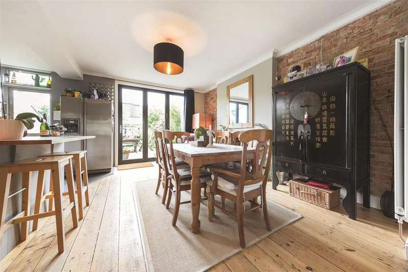3 Bedrooms Terraced House for sale in Pendennis Road, SW16