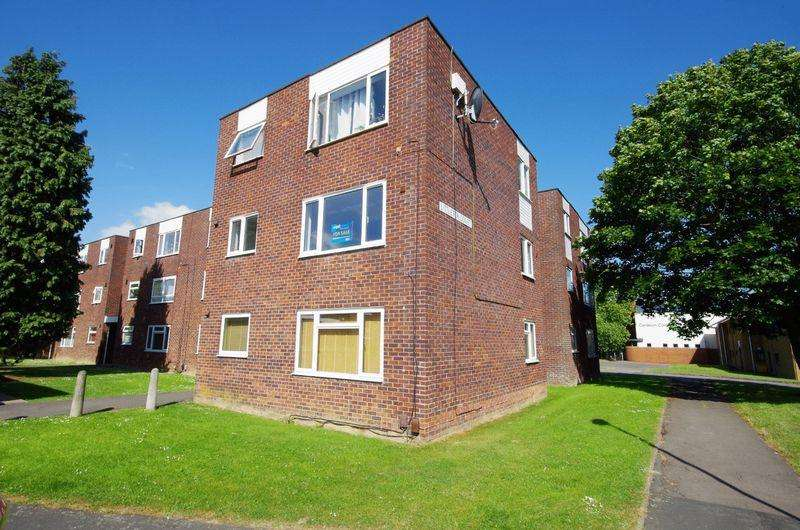 2 Bedrooms Apartment Flat for sale in Littleton Court, Bristol