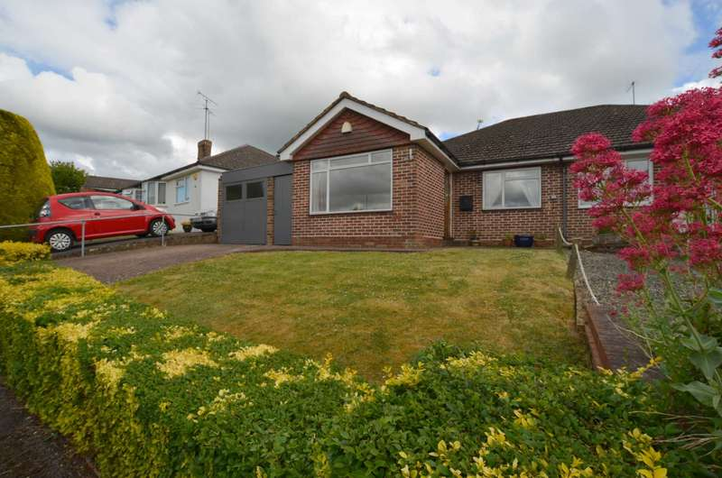 3 Bedrooms Semi Detached Bungalow for sale in Nalders Road, Chesham HP5