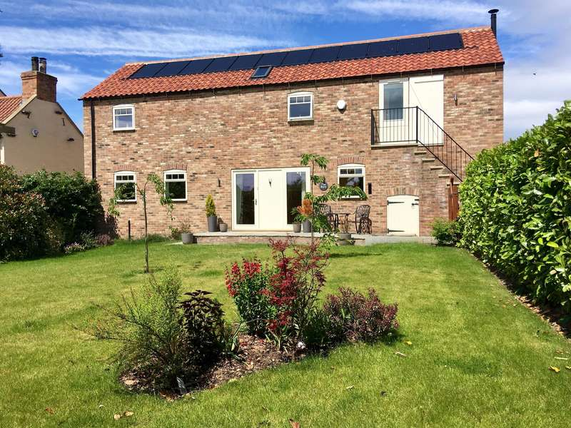 4 Bedrooms Detached House for sale in Main Street, Alne, York, YO61 1RT