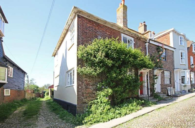 3 Bedrooms End Of Terrace House for sale in Watchbell Street, Rye, East Sussex TN31 7HA