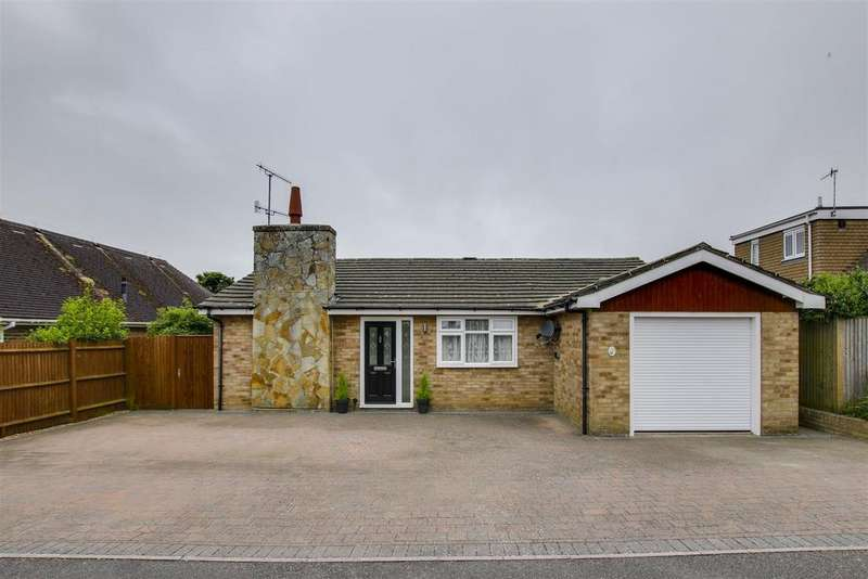 3 Bedrooms Detached Bungalow for sale in North Way, Seaford
