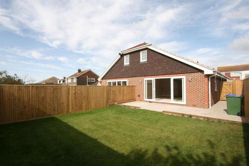 3 Bedrooms Chalet House for sale in Phyllis Avenue, Peacehaven