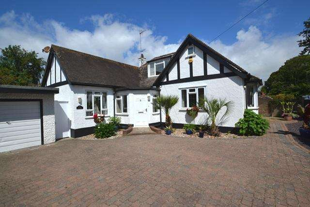 4 Bedrooms Chalet House for sale in Ferringham Lane, Ferring, West Sussex, BN12 5NB