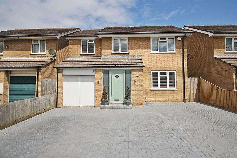 4 Bedrooms Detached House for sale in Malham Close, Flitwick