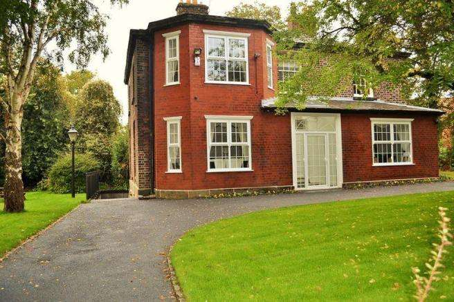 5 Bedrooms Detached House for sale in Damfield Lane, Liverpool
