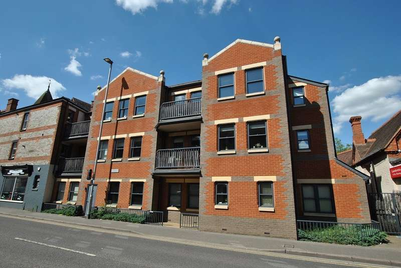2 Bedrooms Apartment Flat for sale in Central Caversham