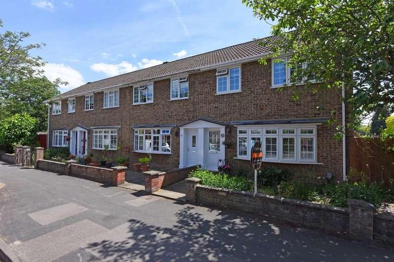 3 Bedrooms End Of Terrace House for sale in Netley Street, Farnborough, GU14