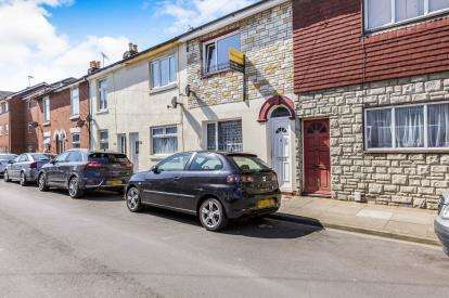 3 Bedrooms Terraced House for sale in North End, Portsmouth, Hampshire