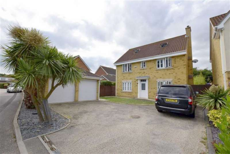 5 Bedrooms Detached House for sale in Magnolia Close, Canvey Island, Essex