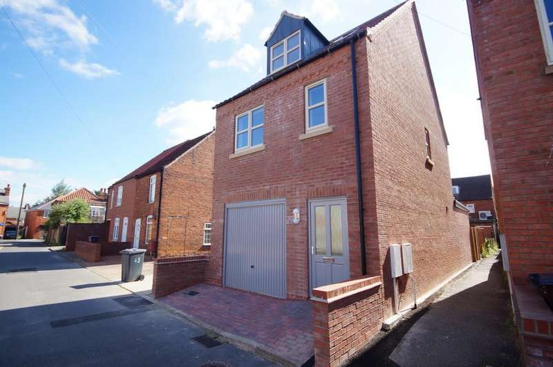 3 Bedrooms Detached House for sale in Francis Street, Lincoln
