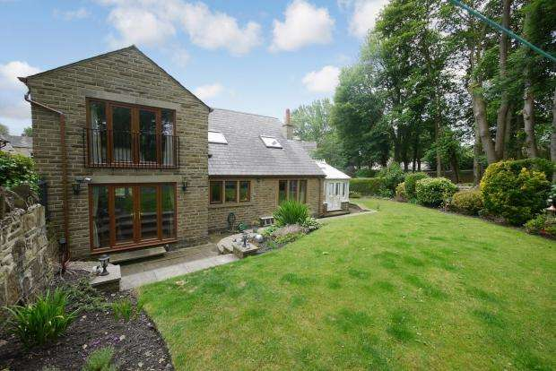 4 Bedrooms Detached House for sale in Granny Hall Lane Brighouse