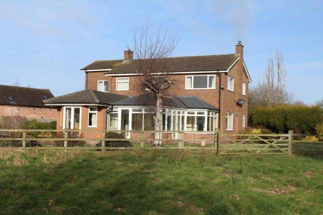 4 Bedrooms Detached House for sale in Field House, Preston, Telford, Shropshire, TF6 6DH