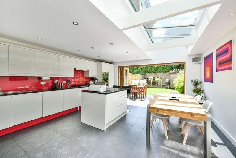 4 Bedrooms Terraced House for sale in Brightfield Road Lee SE12