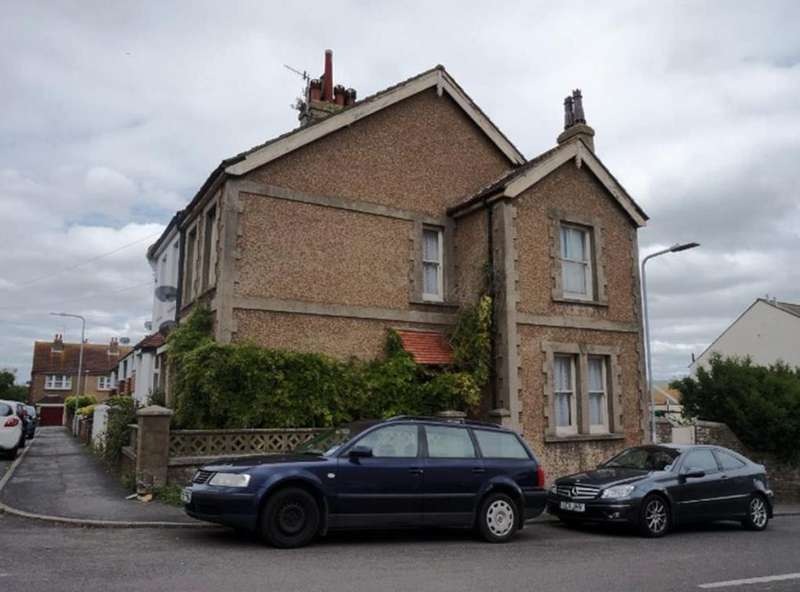 3 Bedrooms House for sale in Murray Avenue, Newhaven
