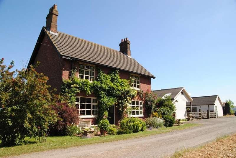 4 Bedrooms Farm House Character Property for sale in Winterton, North Lincolnshire