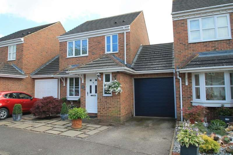 3 Bedrooms Link Detached House for sale in Lark Vale, Watermead, Aylesbury