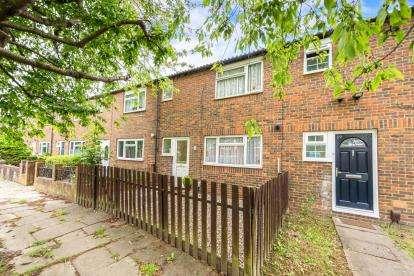 3 Bedrooms Terraced House for sale in Westminster Gardens, Houghton Regis, Dunstable, Bedfordshire