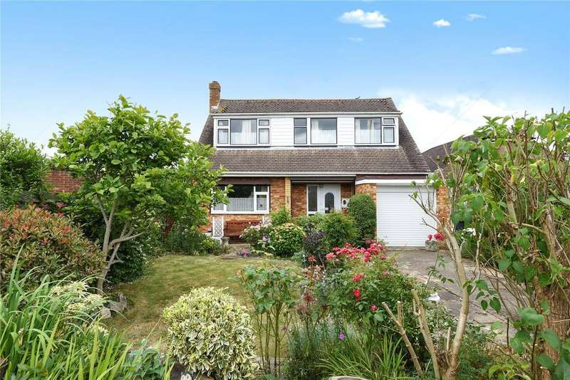 3 Bedrooms Detached Bungalow for sale in Bell View Close, Windsor, Berkshire, SL4