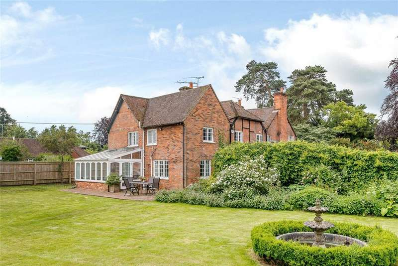 5 Bedrooms Detached House for sale in The Street, North Warnborough, Odiham, Hampshire