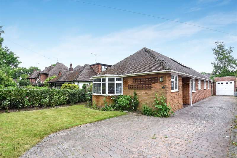 3 Bedrooms Detached Bungalow for sale in Frog Hall Drive, Wokingham, Berkshire, RG40