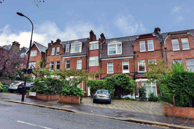 2 Bedrooms Apartment Flat for sale in Arkwright Road, Hampstead, London, NW3