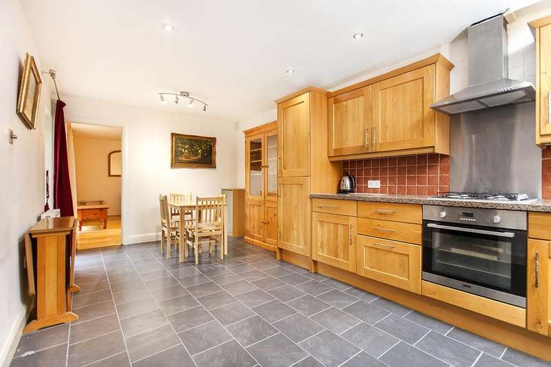 3 Bedrooms Terraced House for sale in Belfont Walk, London