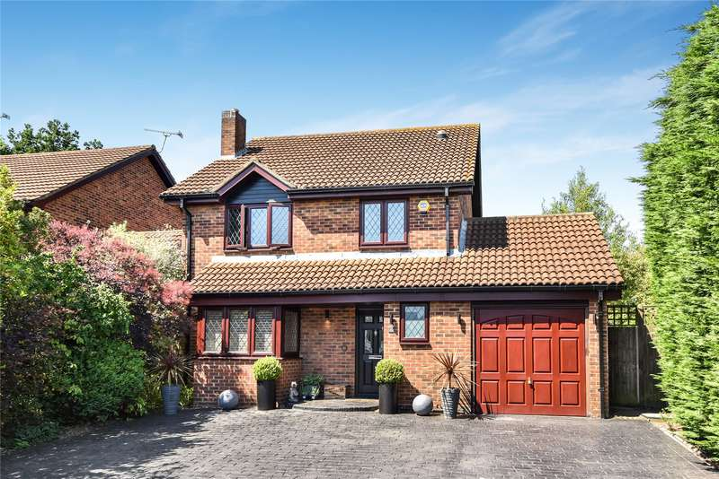 4 Bedrooms Detached House for sale in Rockfield Way, College Town, Sandhurst, Berkshire, GU47