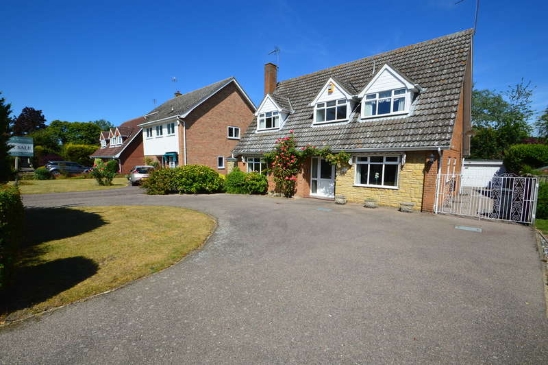 4 Bedrooms Detached House for sale in The Woodlands, Corton